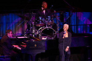 Star-studded gala nets over $300,000 to support Center for the Performing Arts