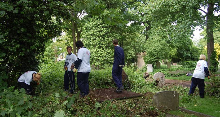 The Prince's Trust team clearing monuments