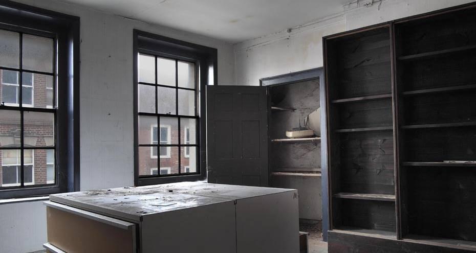 Upper floor of 135, before conservation (Derek Jackson)