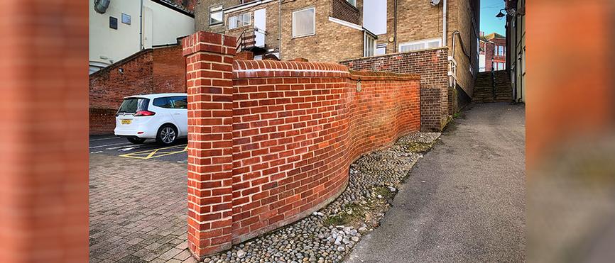 Spurgeon's Score - Modern Wall built in