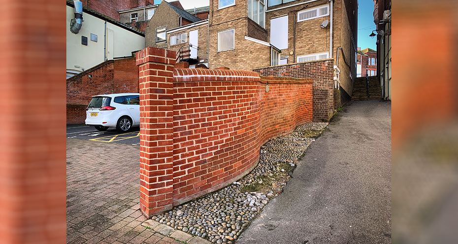 Spurgeon's Score - Modern Wall built in