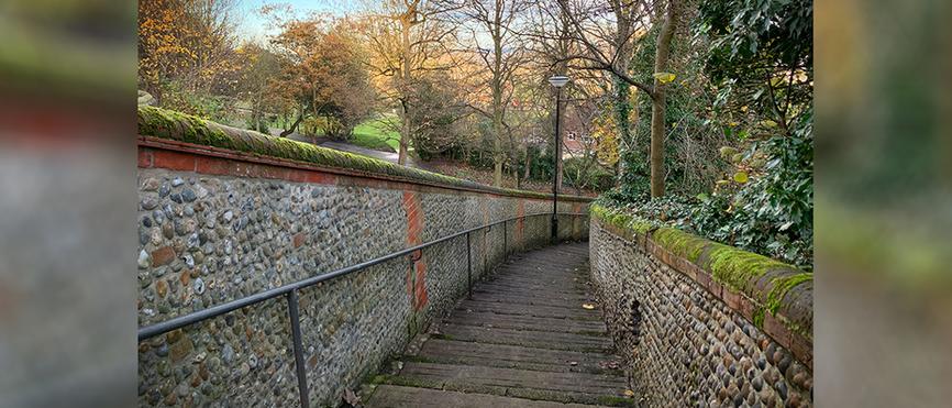 Lighthouse Score - descending the steps