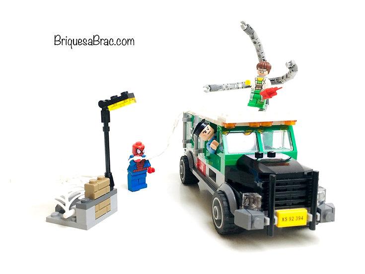 LEGO ® SUPER HEROES 76015 Le braquage du camion du Docteur Octopus (Occasion)