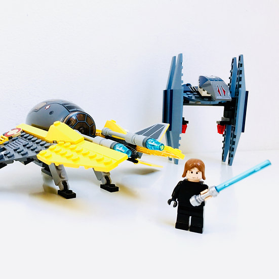 LEGO@ 7256 Jedi Starfighter & Vulture Droid