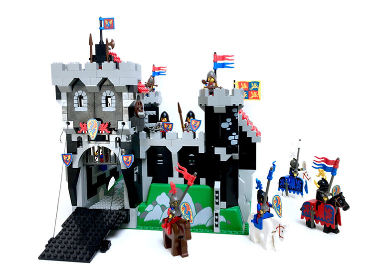 LEGO @ CASTLE 6086 Black Knight's Castle