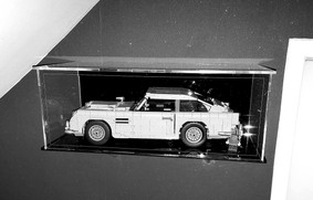 Vitrine BriquesaBoX LEGO® CREATOR 10262 Aston Martin DB9 007 avec Option Fond Noir