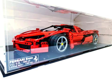 Vitrine Plexiglas BriquesaBoX LEGO® TECHNIC 8653 Ferrari Enzo avec gravure ID du Set