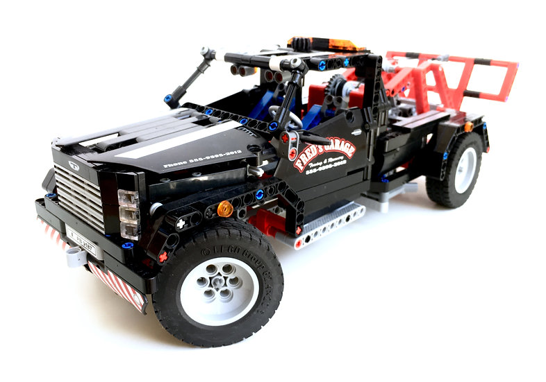 LEGO® TECHNIC 9395 Dépanneuse (Pick-Up Tow Truck)