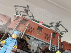 Vitrine BriquesaBoX LEGO® 10277 Crocodile Locomotive avec gravure personnalisée