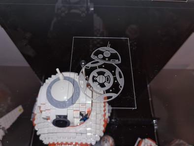 Vitrine BriquesaBoX LEGO® BB-8 avec gravure personnalisée du Set et Gravure XL