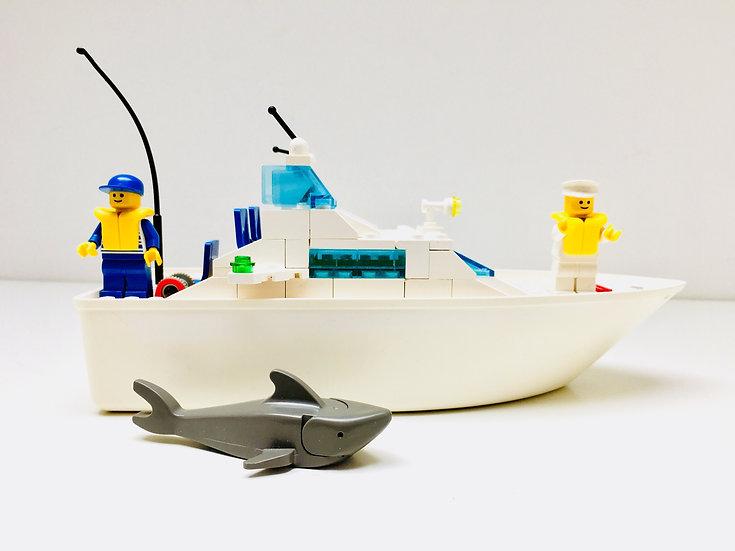 LEGO® 4011 Cabin Cruiser
