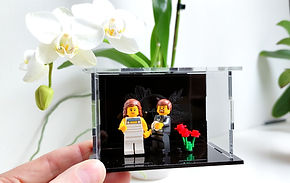 Vitrine LEGO Plexiglass vives les mariés