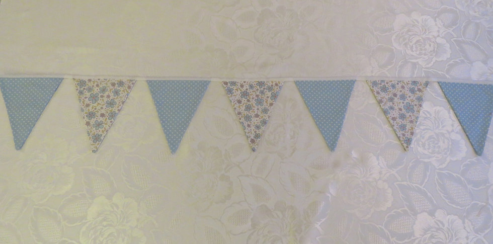 Light blue flowers and polka dots - 12 flags