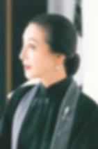 yoshikoabout.jpg