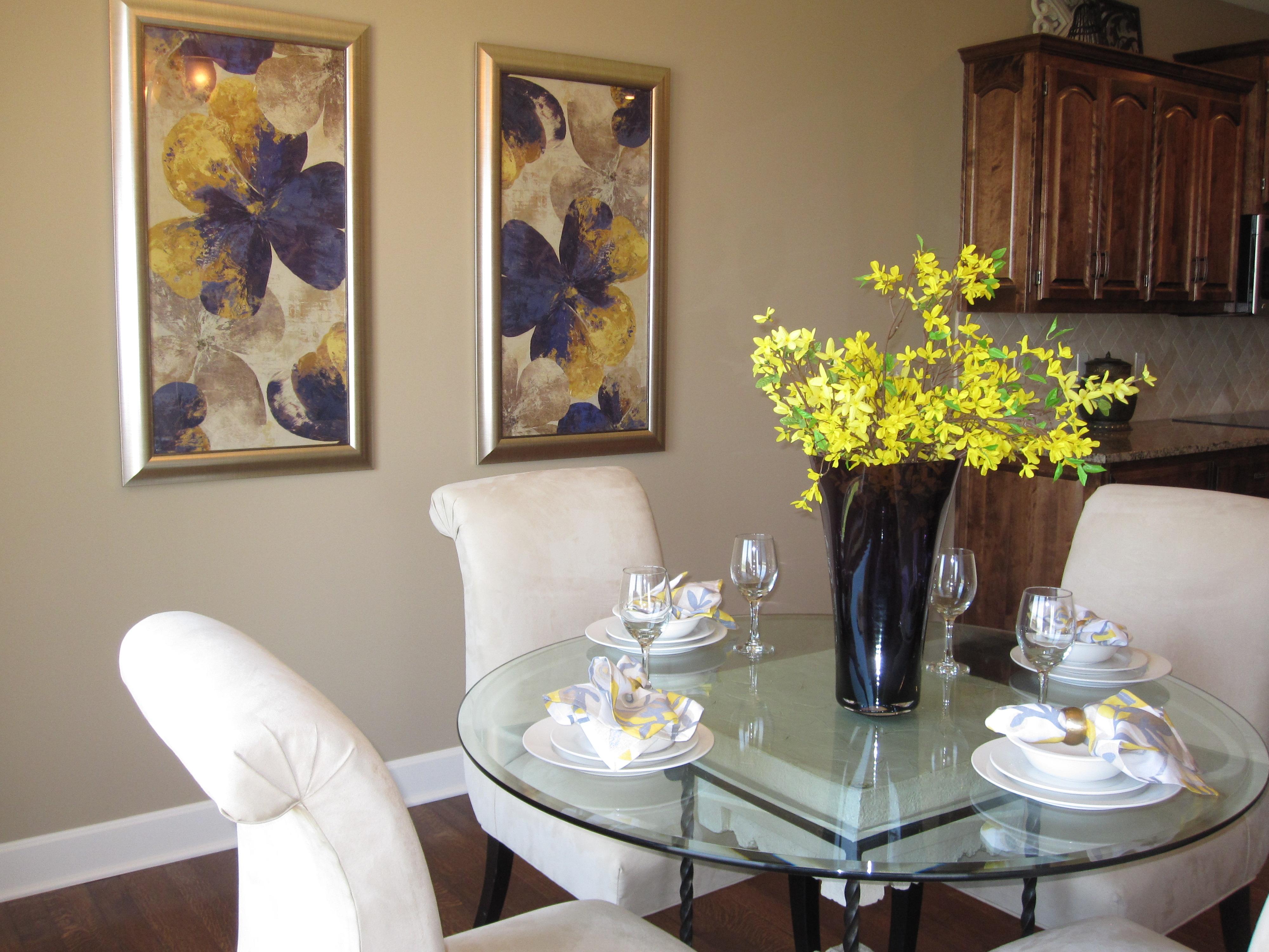 Model Home Dinning Room