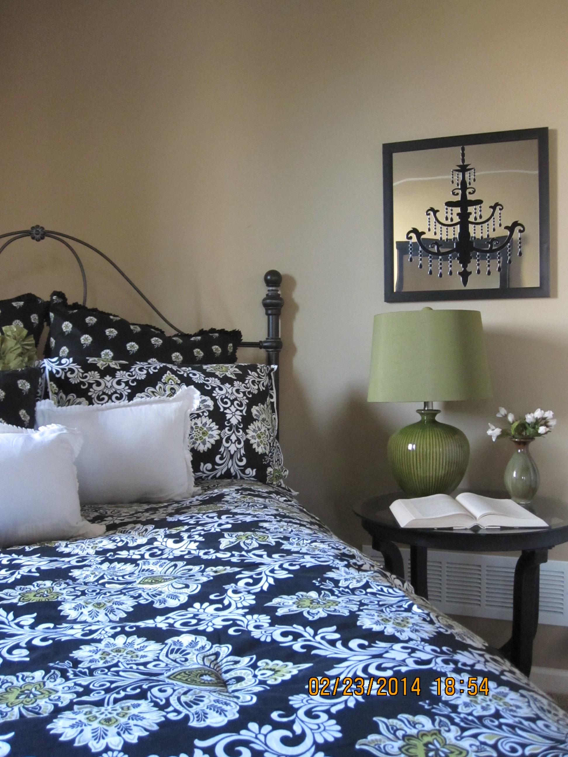 Model Home Guest Room