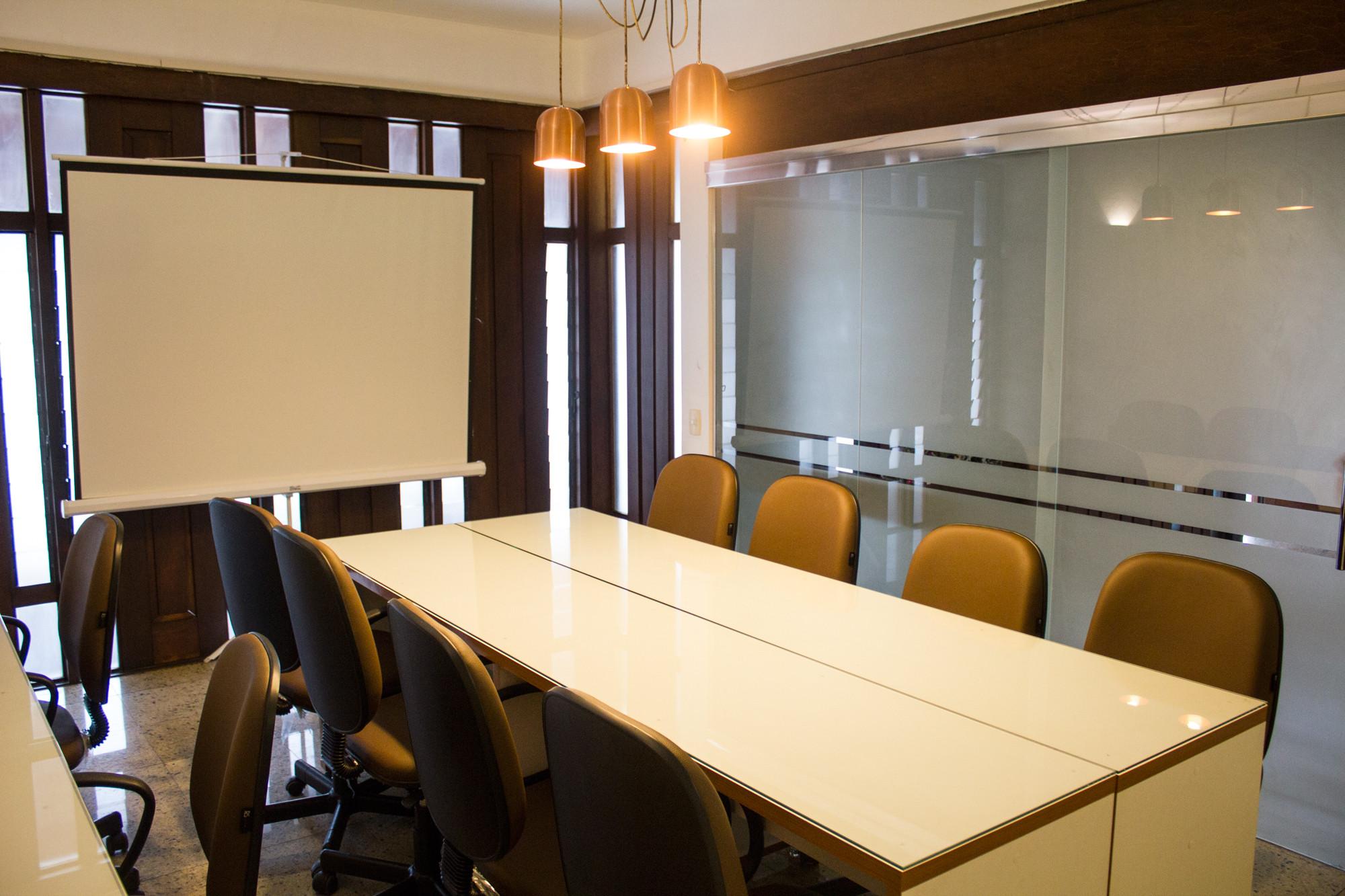 Sala de Reunião Orquídea