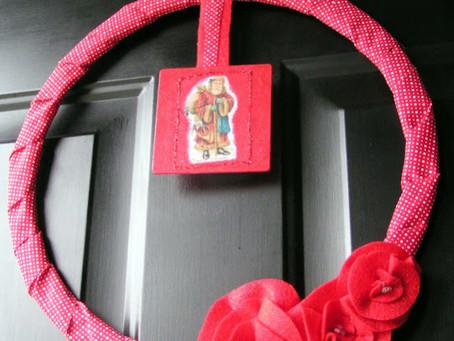 Santa Wreath with Fabric Ribbon, Felt and The Graphics Fairy