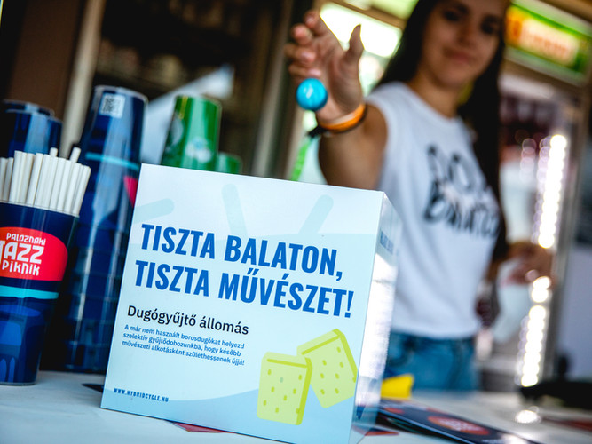 Közösségi hulladékgyűjtés a Paloznaki Jazzpikniken - fotó: Kovács Bálint / Bálint Kovács Photography