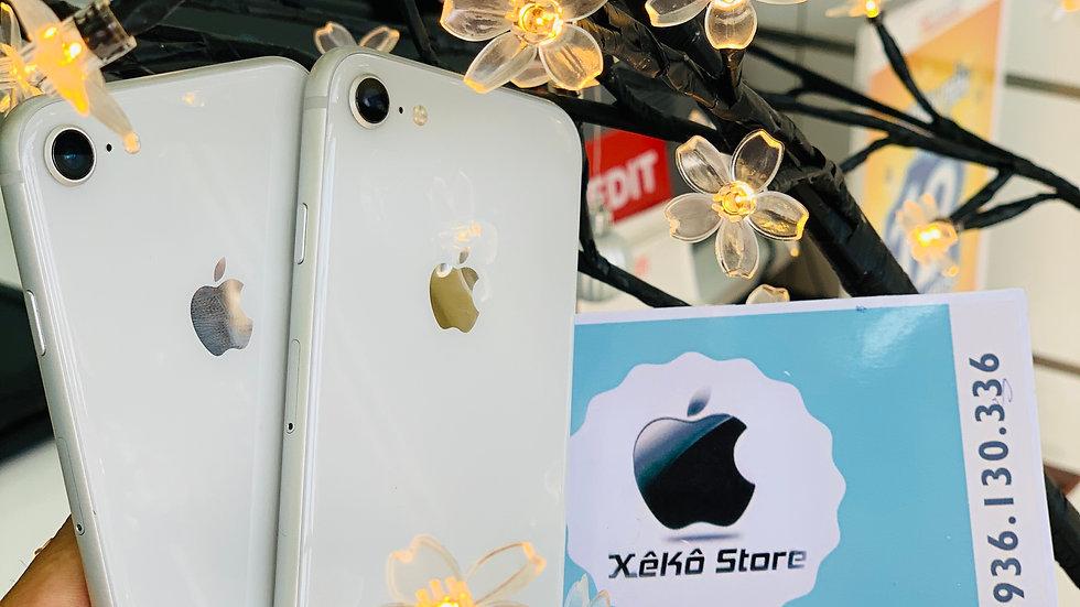 iPhone 8G