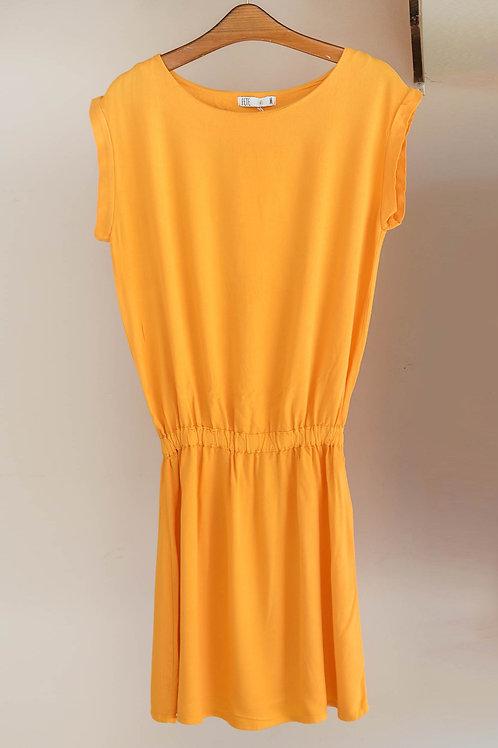Vestido corto de manga corta con cuello redondo y cintura elástica de Fete
