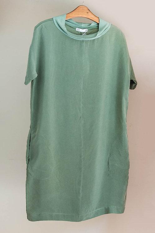 Vestido de manga corta de cupro con cuello de punto de Fete