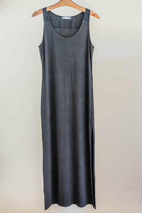 Vestido largo con cuello redondo, aplique en espalda y corte en lateral de Fete