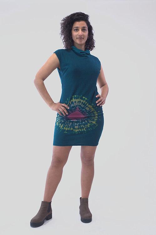 Vestido corto sin mangas en color verde.