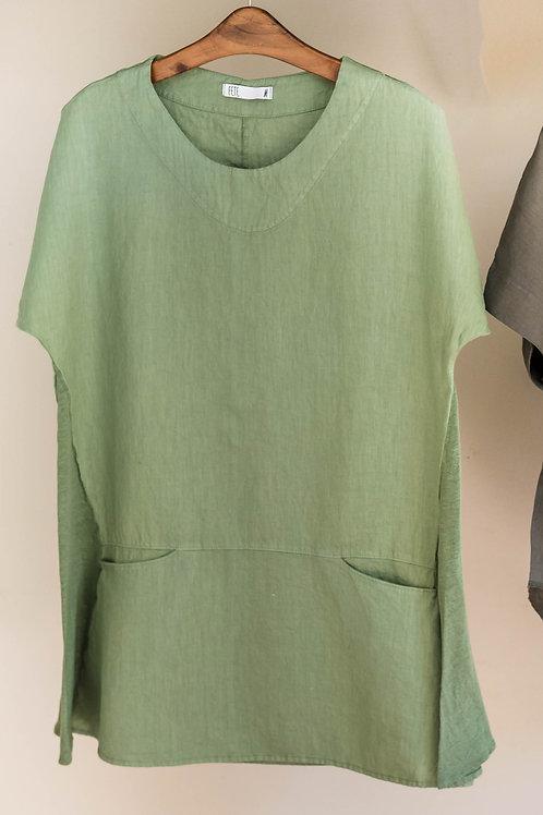 Camiseta oversize de estilo evasé con bolsillos y cuello redondo de Fete de Fete