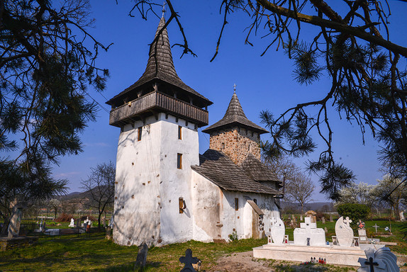 Biserica din Gurasada (1).jpg