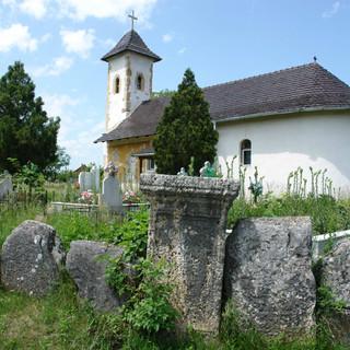 biserica din ostrov_06.JPG