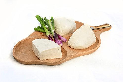 Brânză de oi de la Cârnești