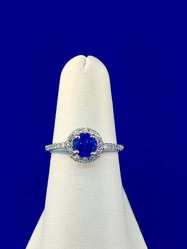 14kt. white gold natural Ceylon sapphire and diamond ring