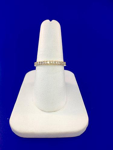 14kt. yellow gold diamond band