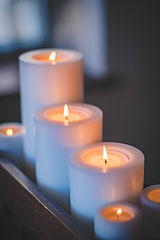 selective-focus-photography-of-candles-1