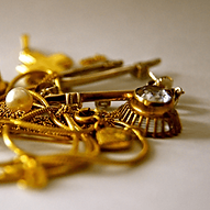 buying-and-selling-scrap-gold-header-ima