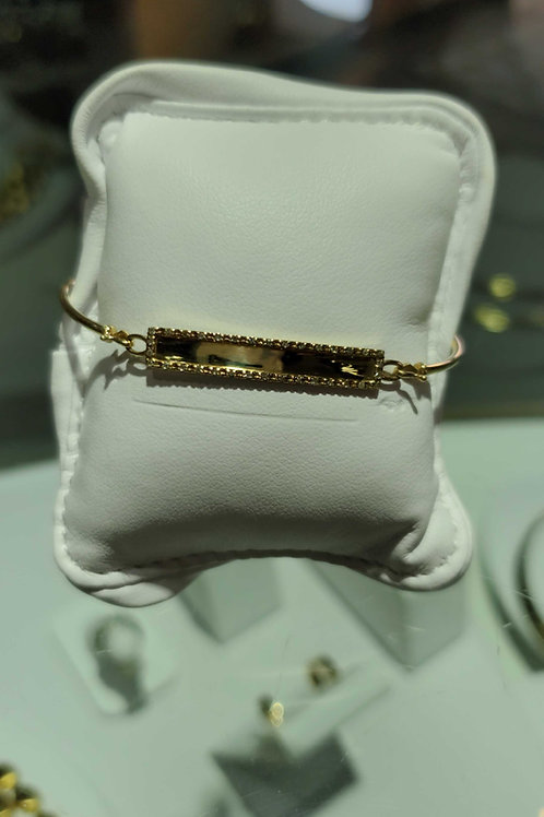 14 carat yellow gold ladies bracelet with diamond accents