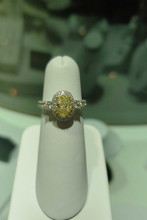 18 carat white gold yellow and white diamond ring