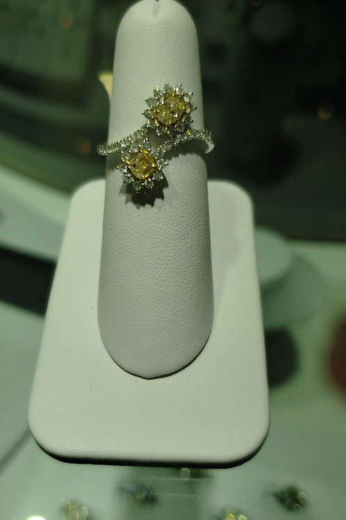 14 carat white gold yellow and white diamond ring