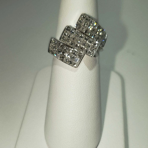 18k white gold diamond ring