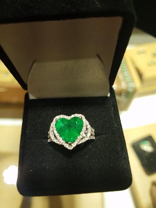 Natural Heart shape emerald& diamond ring