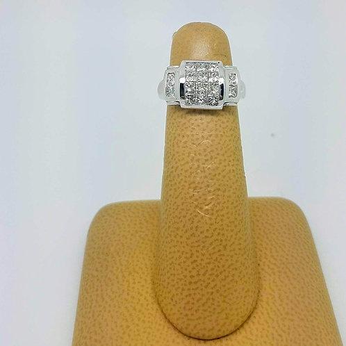 18k WHITE GOLD LADIES DIAMOND RING