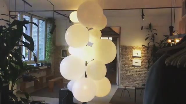 🎈balloon and light installation at Stud