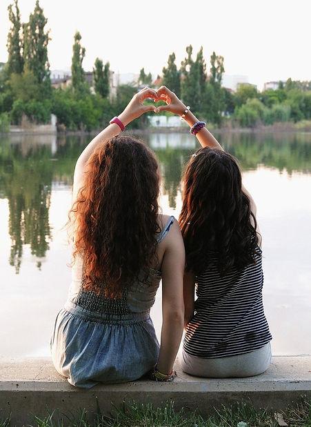 friendship-4429560_1280_edited.jpg
