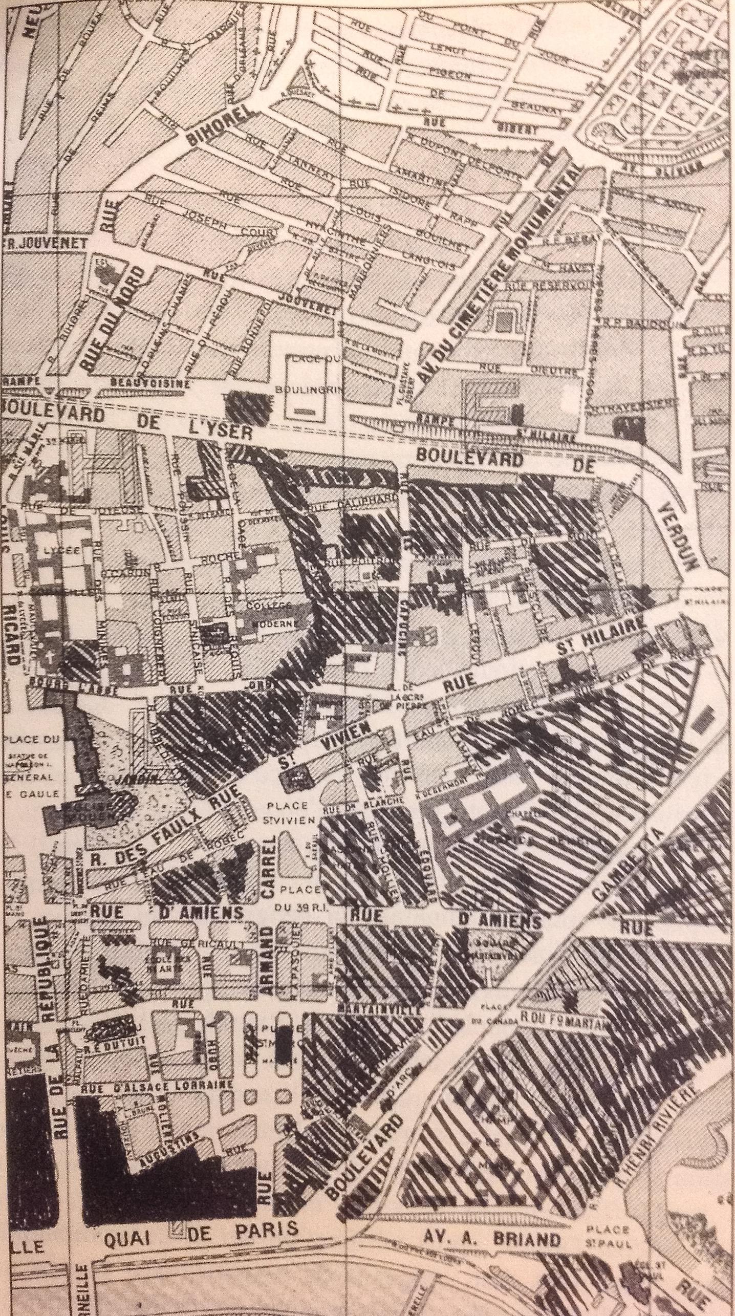 En_hachures_grasses,_les_quartiers_détruits_depuis_1945_(d'après_P._Quéréel,_La_ville_évanouie,_p._2