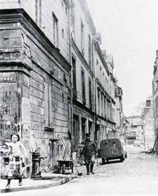 Rue_Théodore_Lebreton_à_l'intersection_avec_la_rue_Orbe_(début_des_destructions)
