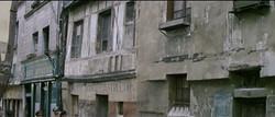 k_28_33_rue_Pomme_d'Or_et_café_épicerie_Pomme_d'Or_depuis_intersection_avec_rue_de_l'Amitié