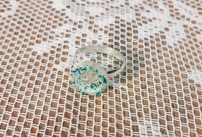 Green spot button ring