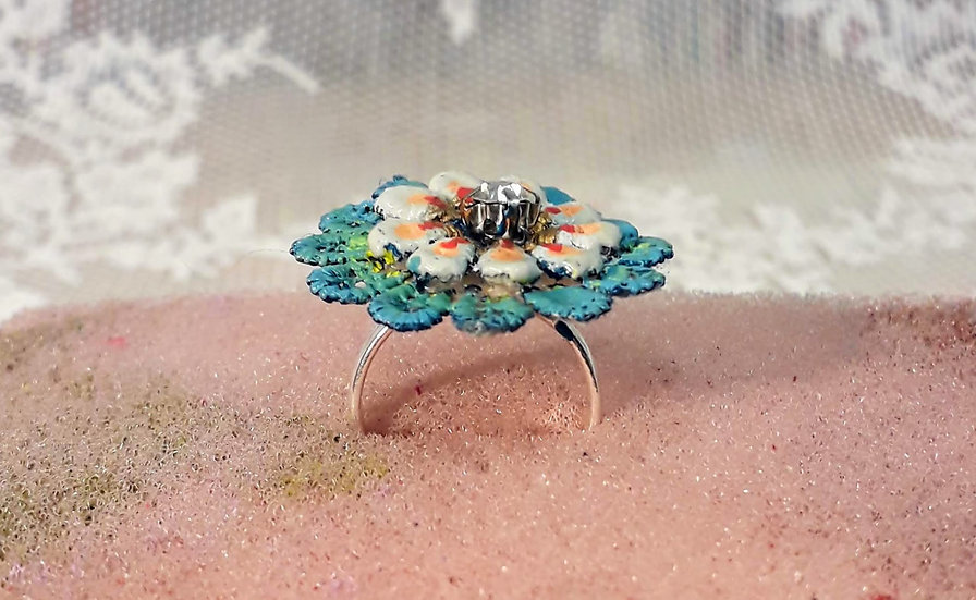 Lack lace blue ring