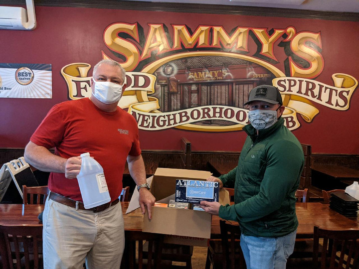 """Phil delivers PPE Relief to Sammy""""s Neighborhood Pub"""